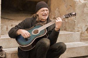 「歌がうまい」と言われる人はどんな人